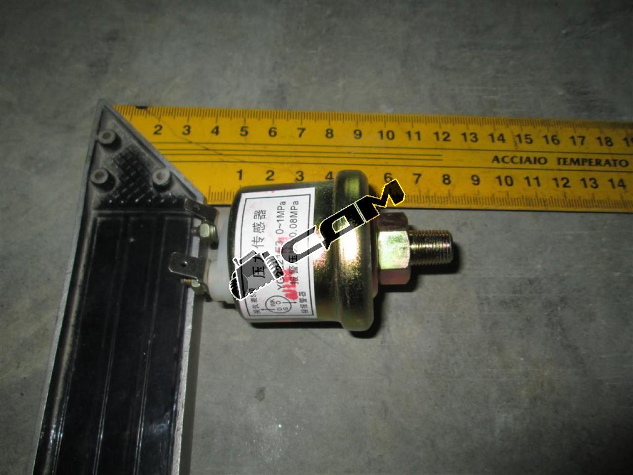 Датчик давления масла в ГМП YG2221E3 CDM855F  60402020021